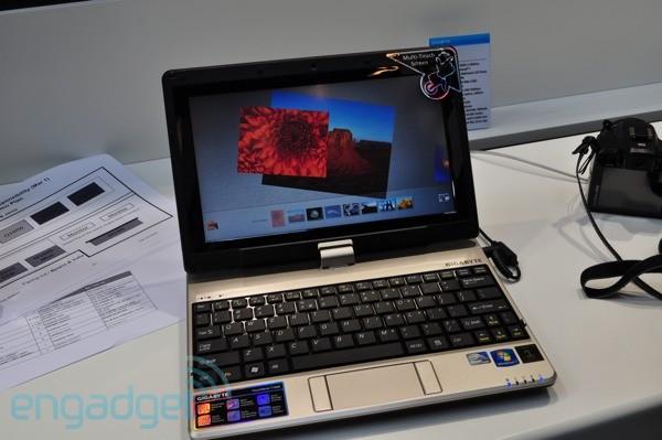Gigabyte T1000 en minidator med multitouch